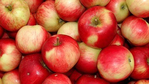 Äpfel am Haufen
